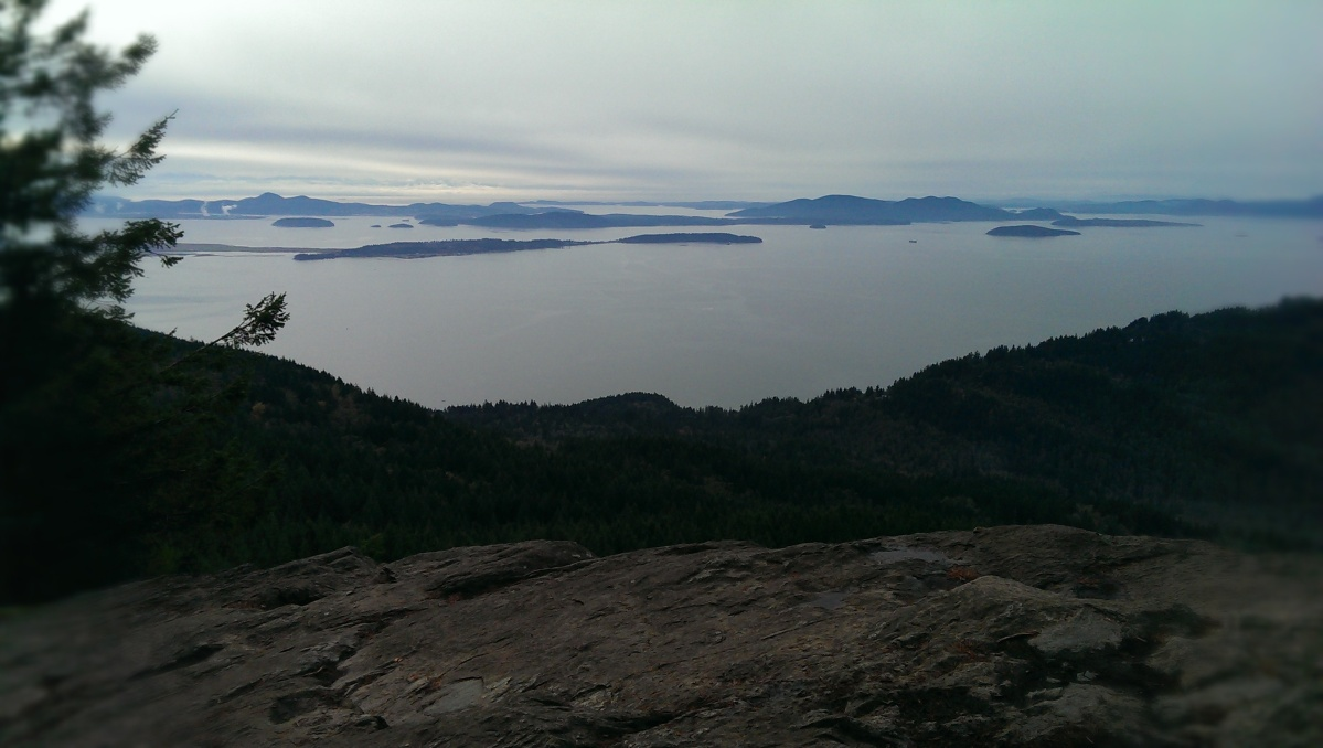 Hiking Oyster Dome Trail
